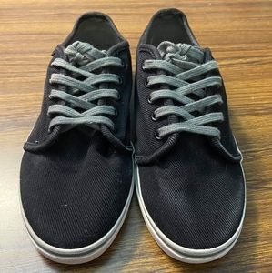 Van's unisex black Old Skool casual outdoor shoes